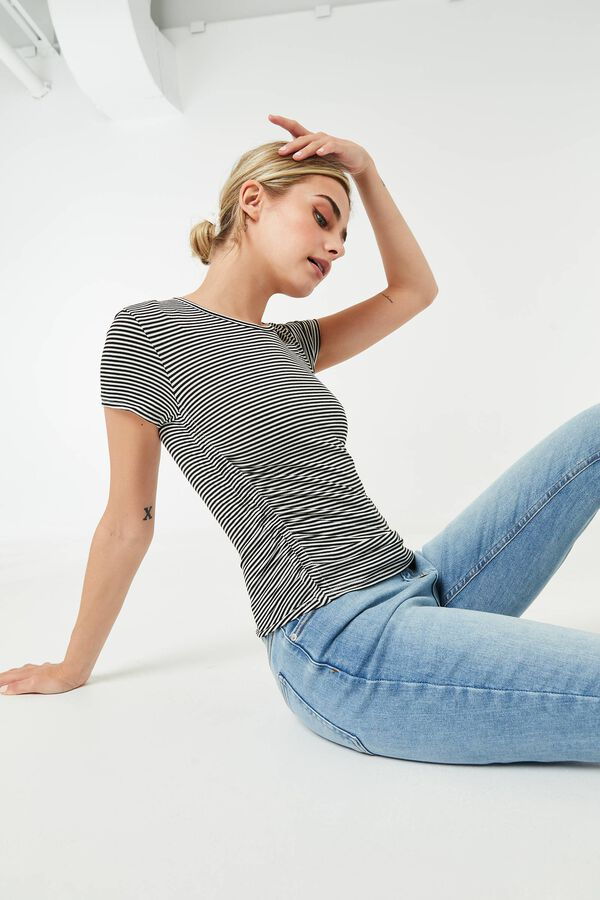Tee with Ruched sides