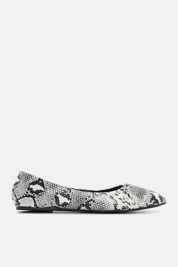 48fc2cb6f5a0 Images. Faux Faux Leather Snakeskin Slip-On Flats ...