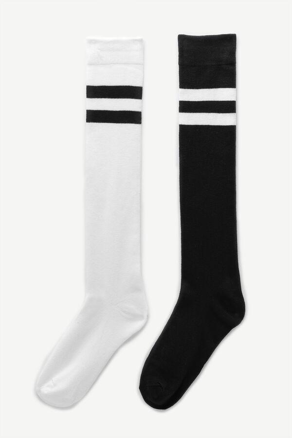 Knee-High Contrasting Stripe Socks