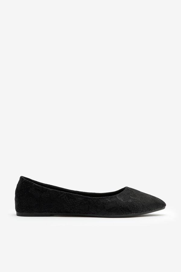 Snakeskin Pointy Toe Flats