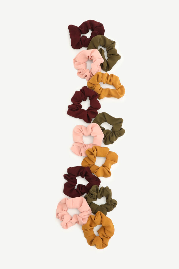 Pack of Knit Scrunchies