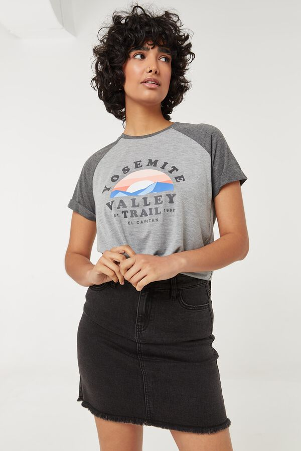 Yosemite Crop Knotted Tee