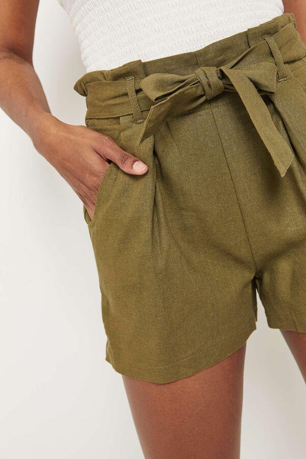 Short plissé en lin