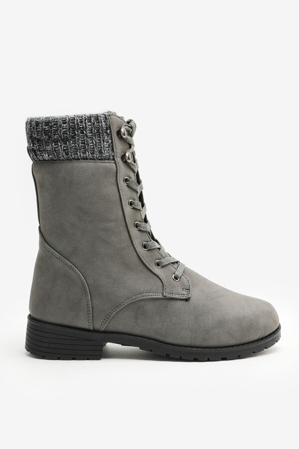 Mid-Length Insulated Boots