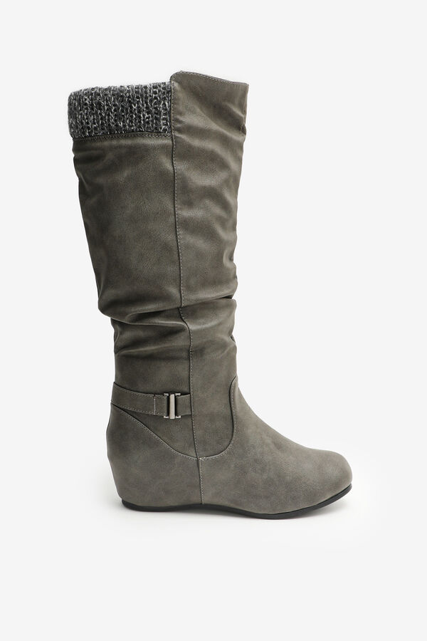 Slouchy Boots with Knit Collar