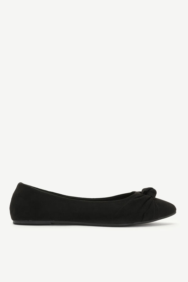 Knotted Pointy Toe Flats