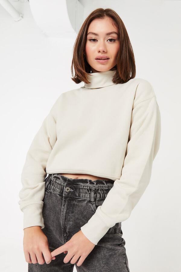 Short Turtleneck Sweatshirt