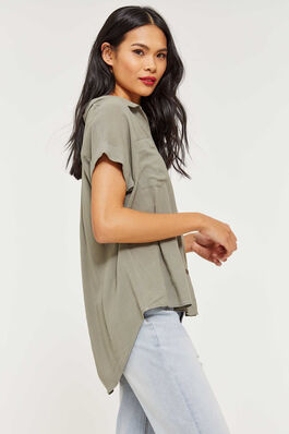 4a7d727d Shirts + Blouses - Clothing for Women | Ardene