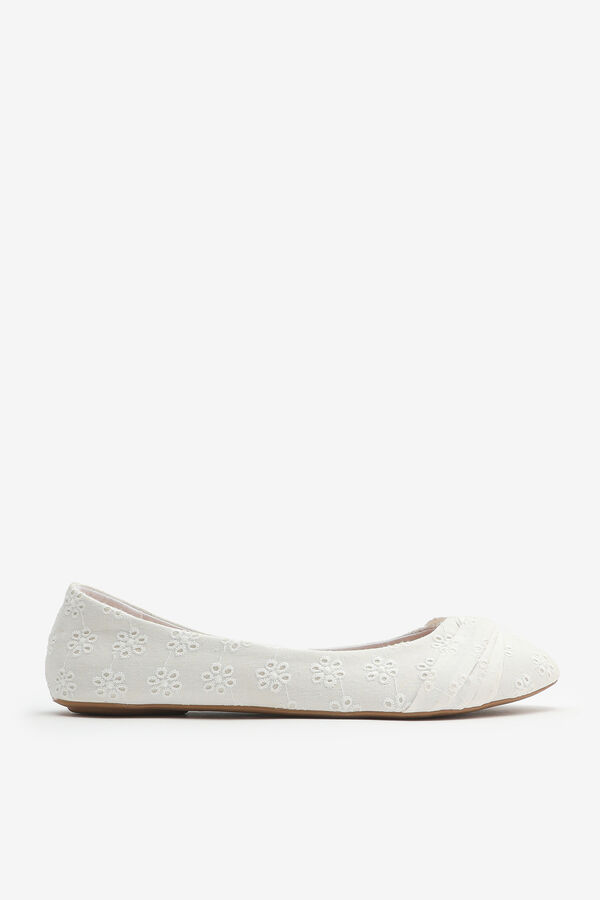 Pleated Perforated Flats