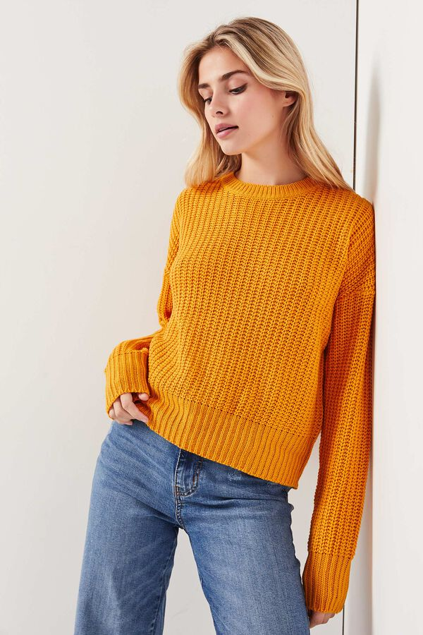 Basic Cable Knit Sweater