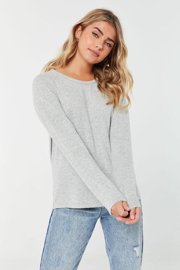 Long-Sleeved Raglan T-shirt