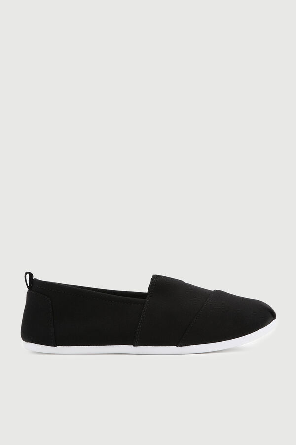 Eco-Conscious Pleated Sneakers