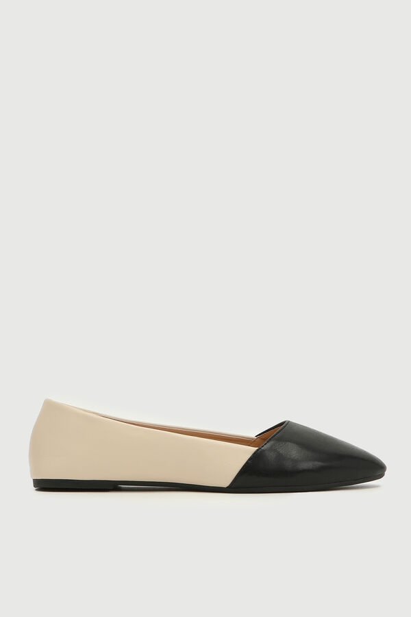 Color Block Pointy Flats