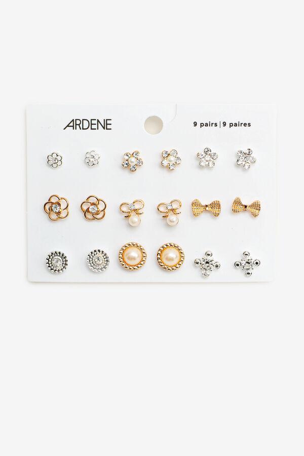 9 Pairs of Floral Stud Earrings