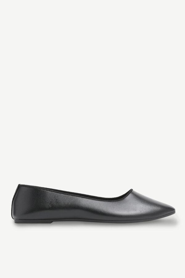 Basic Faux Leather Flats