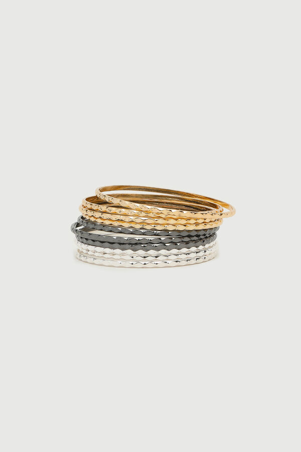 Pack of Textured Bangles