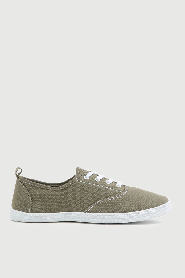 Contrasting Laced Sneakers