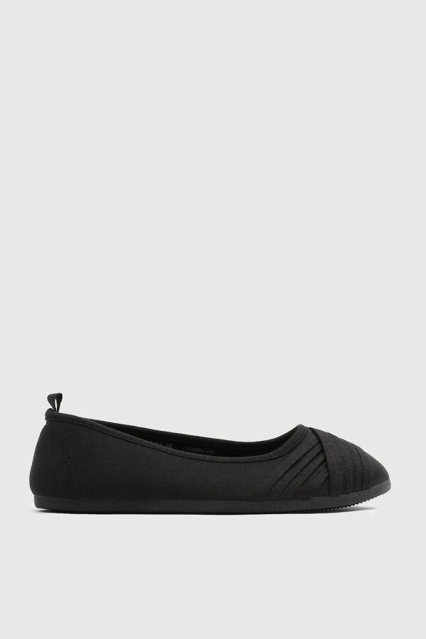 Pleated Slip-On Sneakers