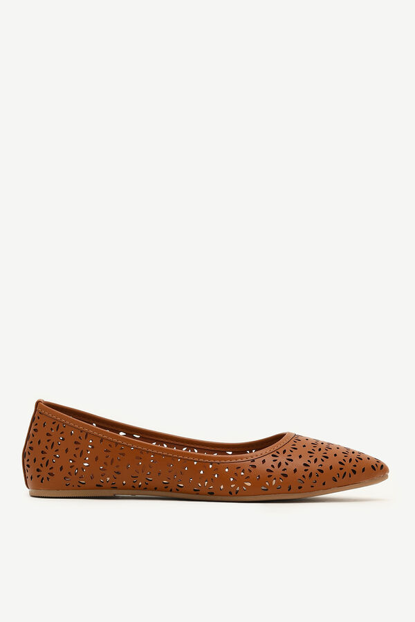 Cut Out Pointy Flats