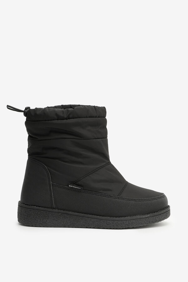 Winter Boots with Bungee Collar