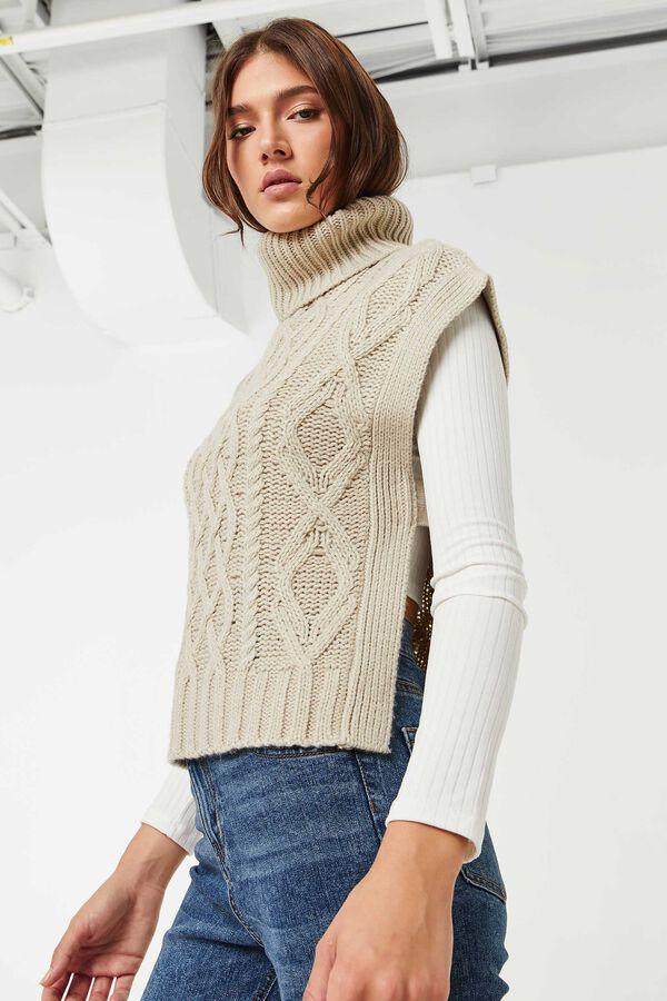 Débardeur col roulé en tricot torsadé