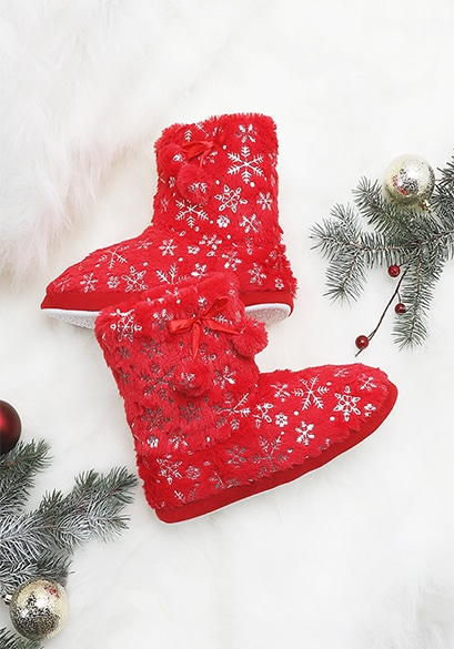 Faux sherpa lined holiday boot slippers from Ardene