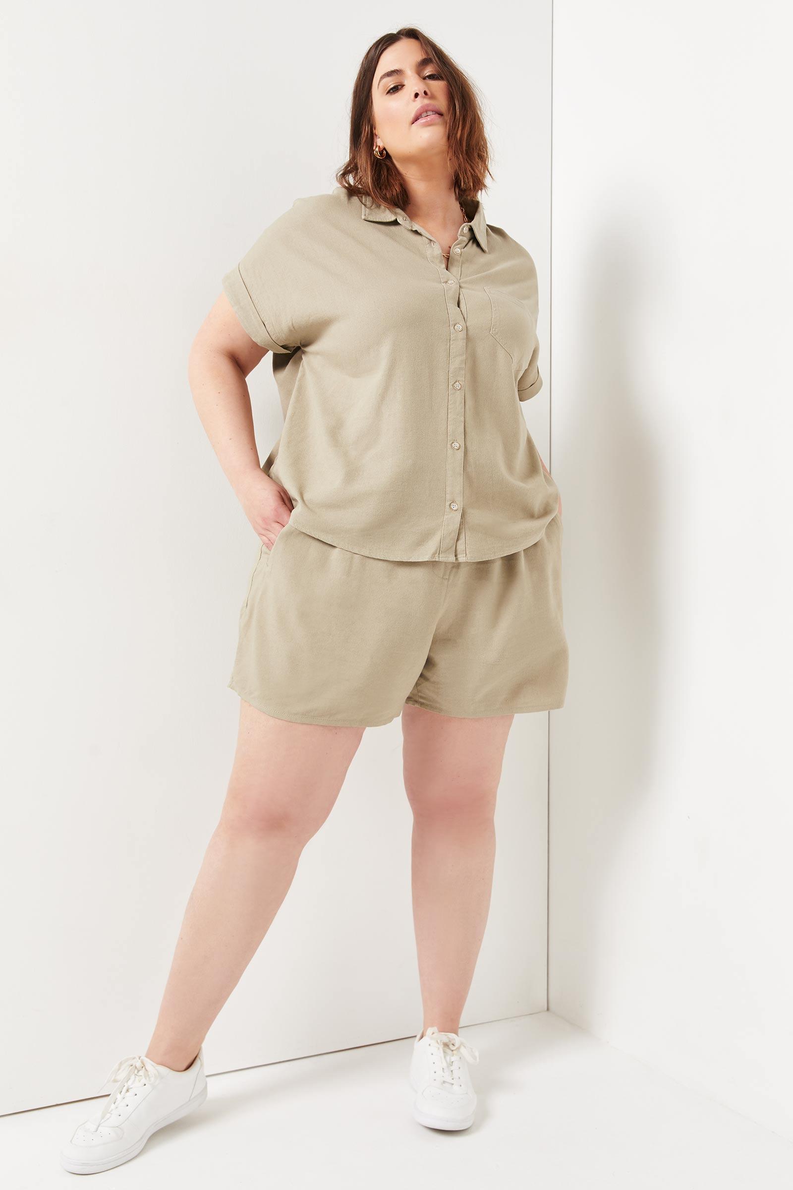 Plus Size Linen Button-Up Shirt