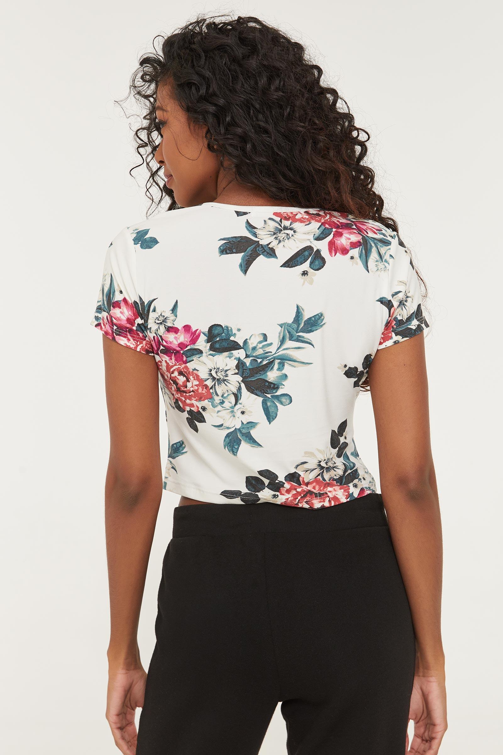 T-shirt graphique à fleurs