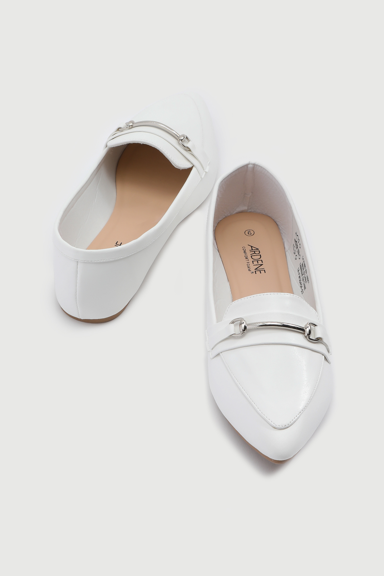 Pointy Loafers with Keeper