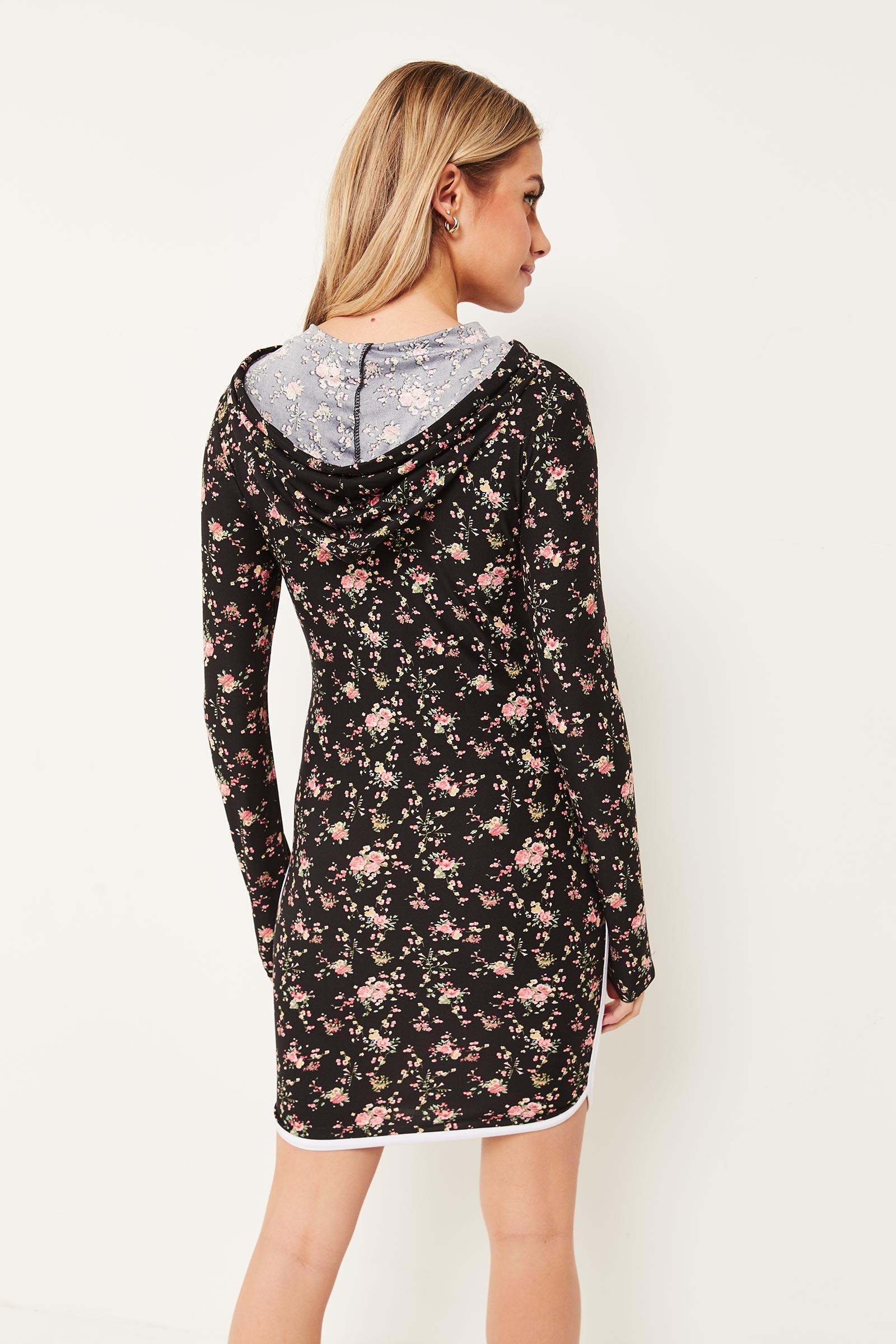 Robe courte fleurie moulante à capuchon
