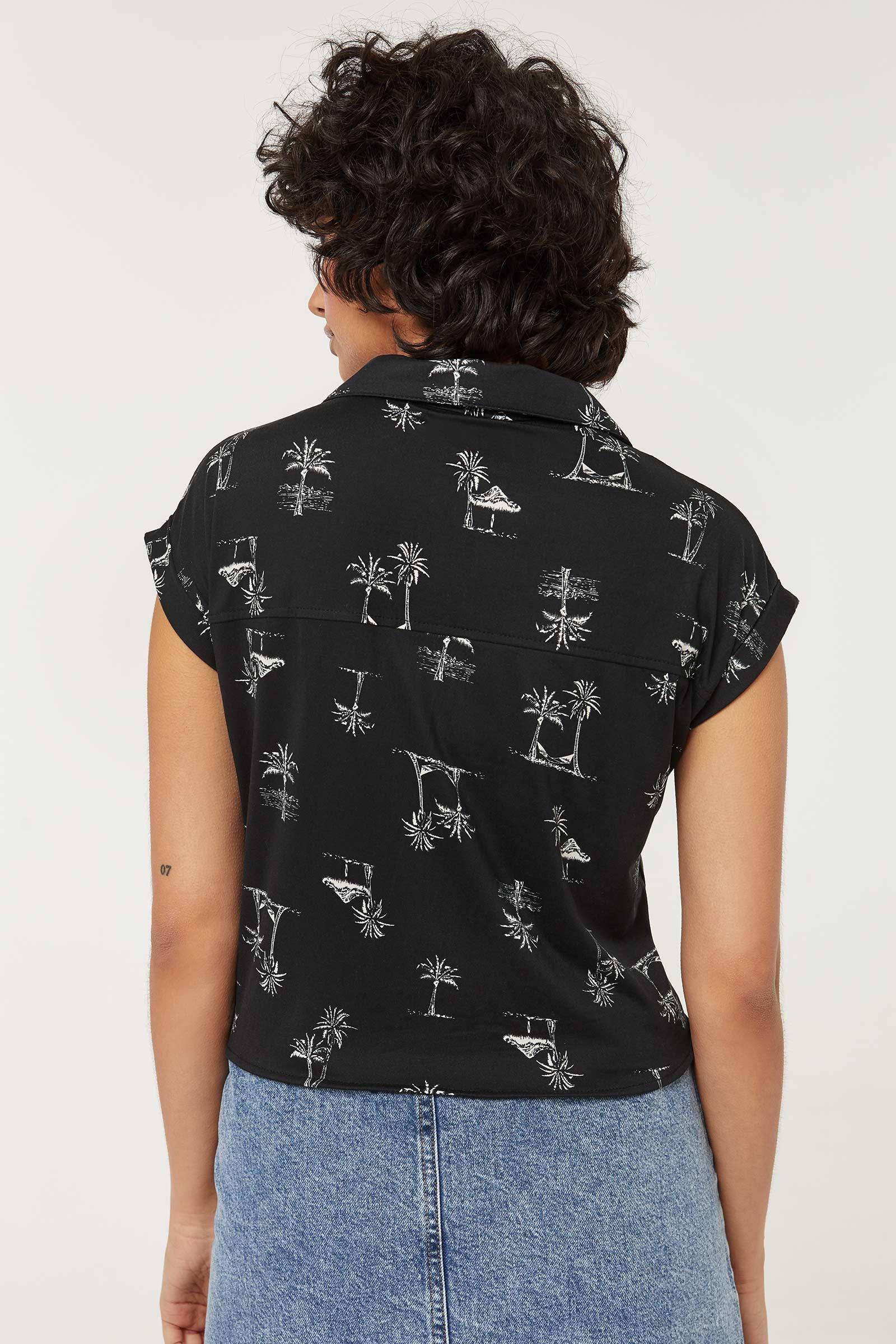 Chemise nouée boutonnée à palmiers