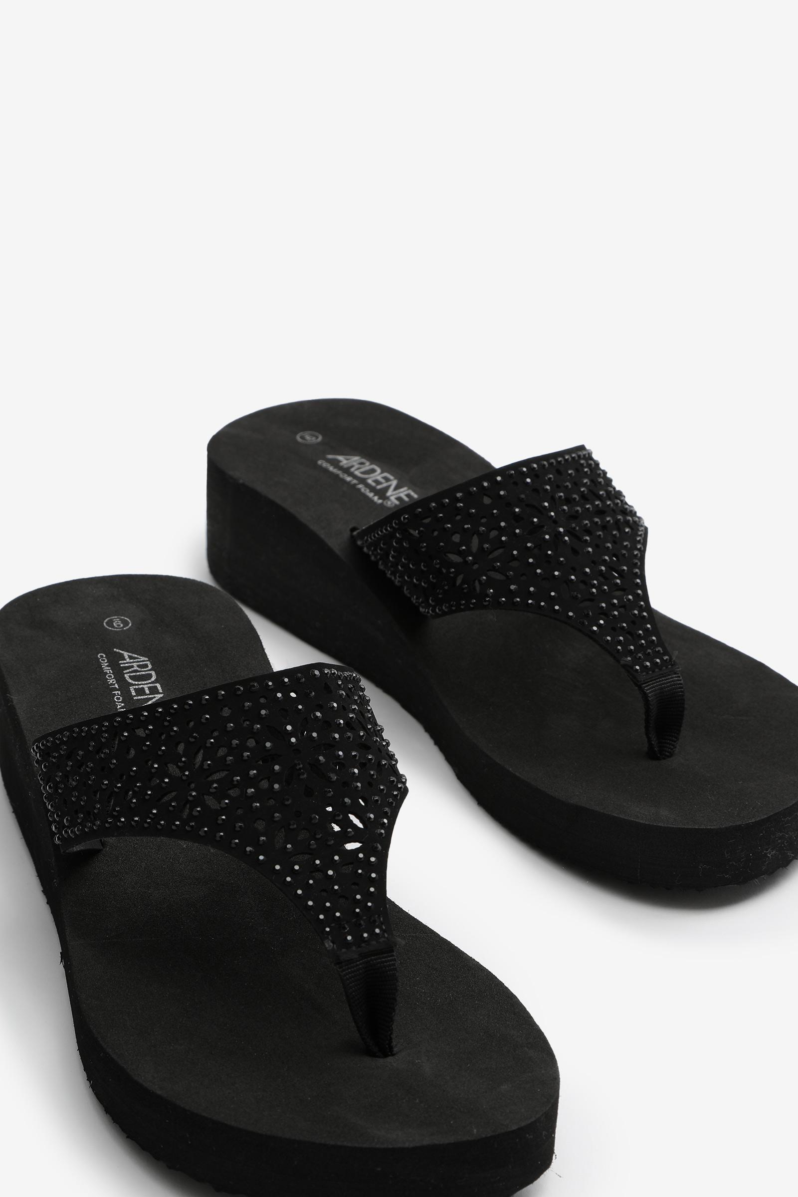 Flip-flops compensées avec cristaux