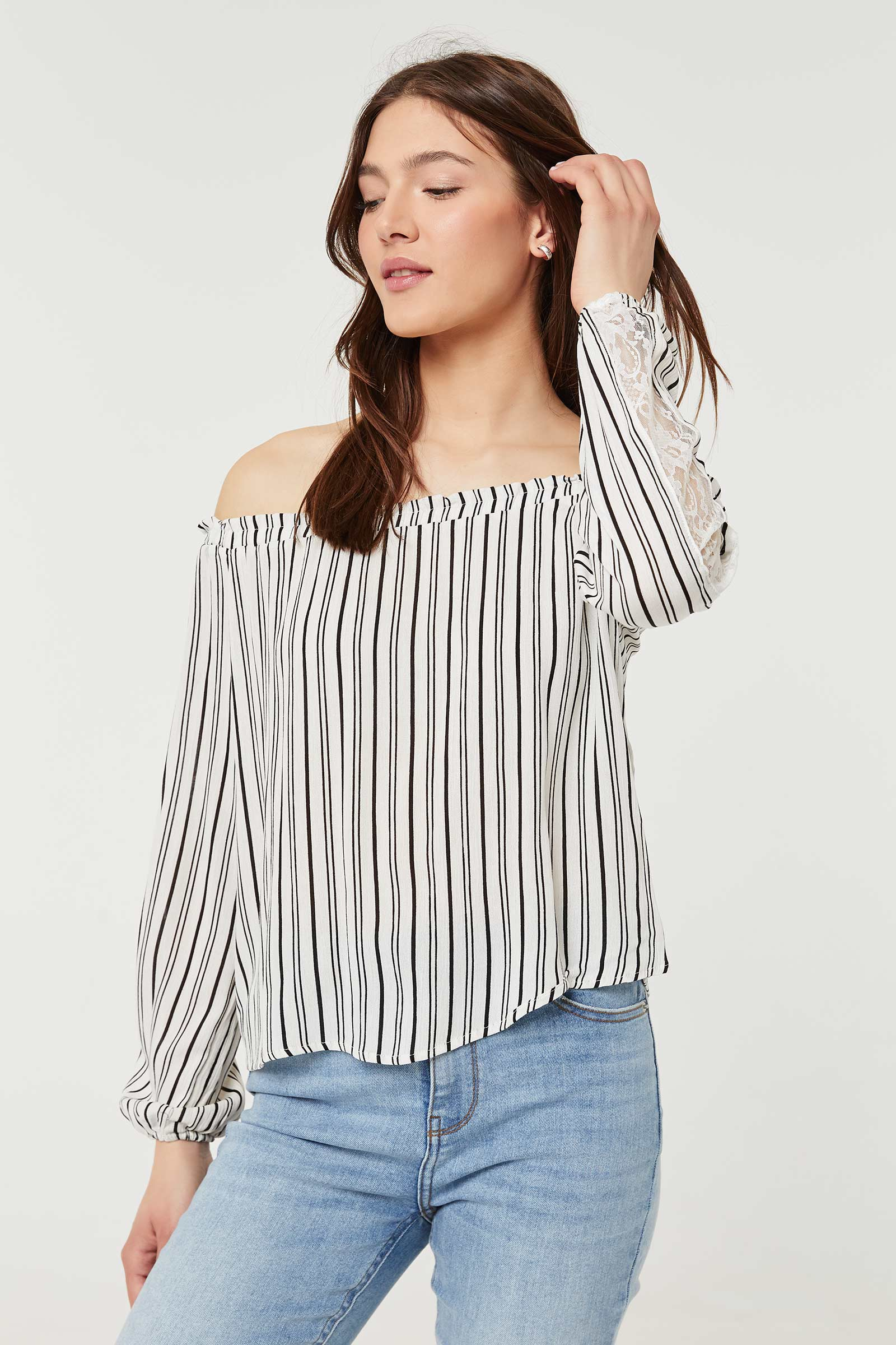Crêpe Off-Shoulder Blouse