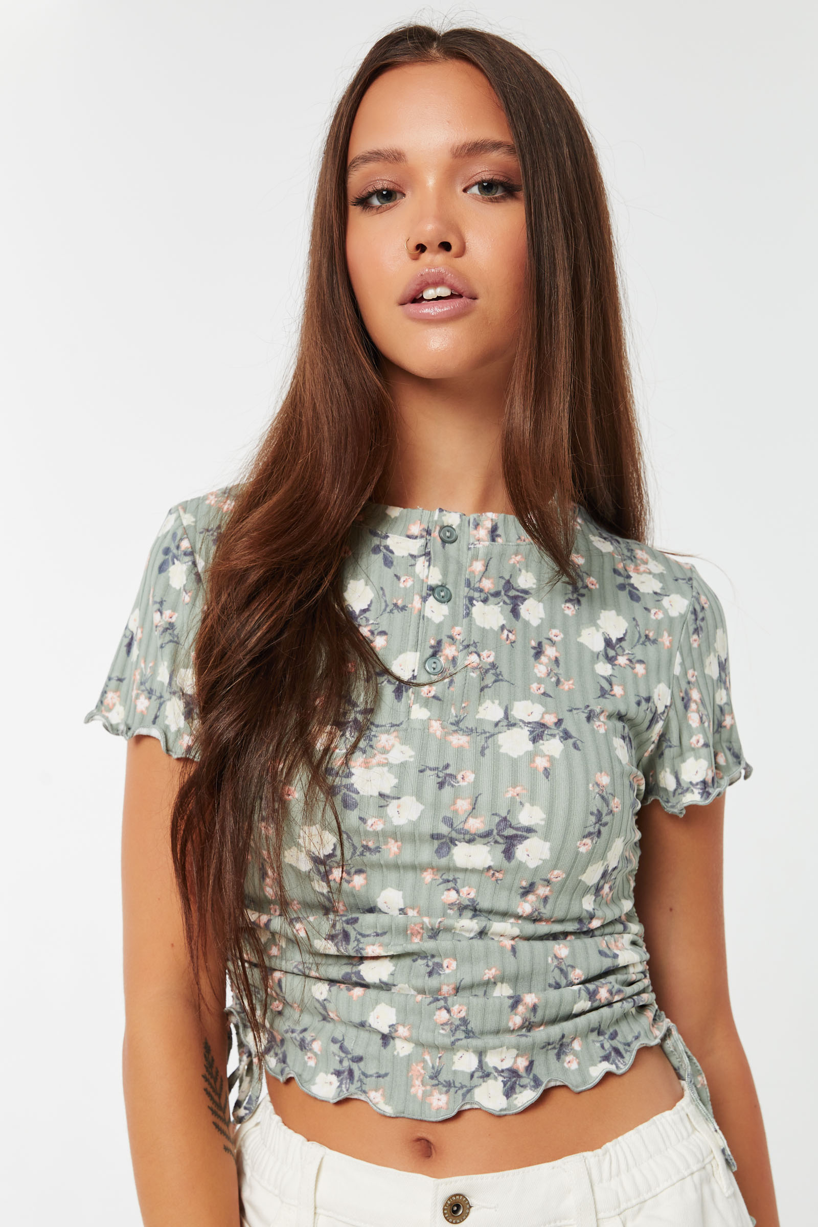 Floral Rib Ruched Henley Tee