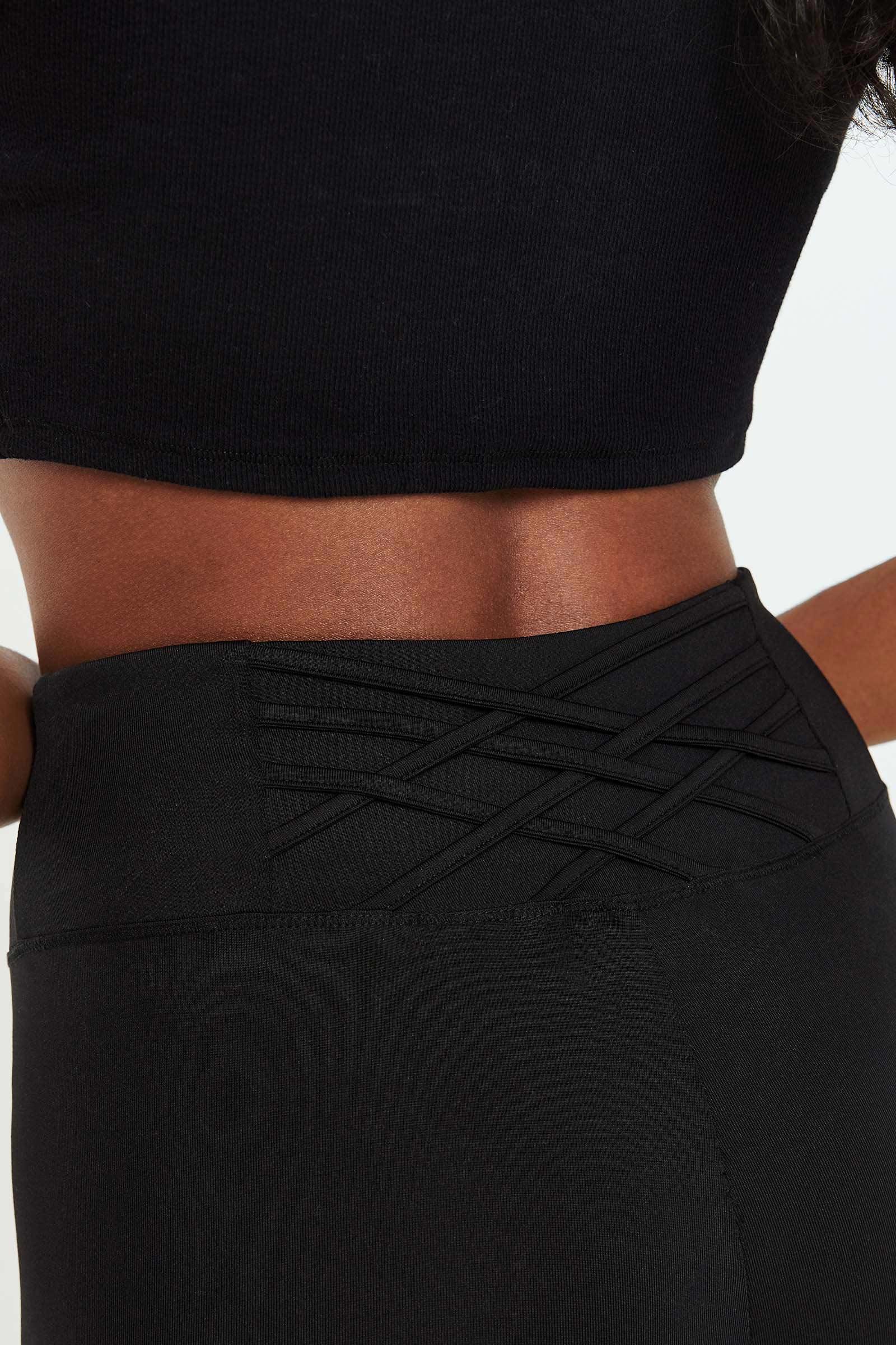 Legging à détail croisé au dos