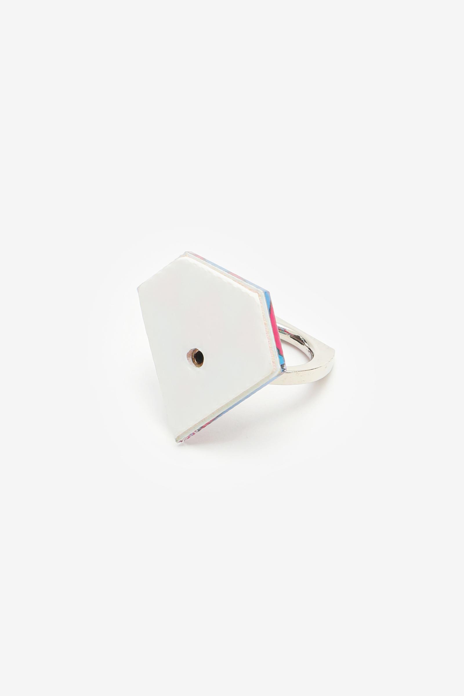 Diamond-Shaped Phone Ring