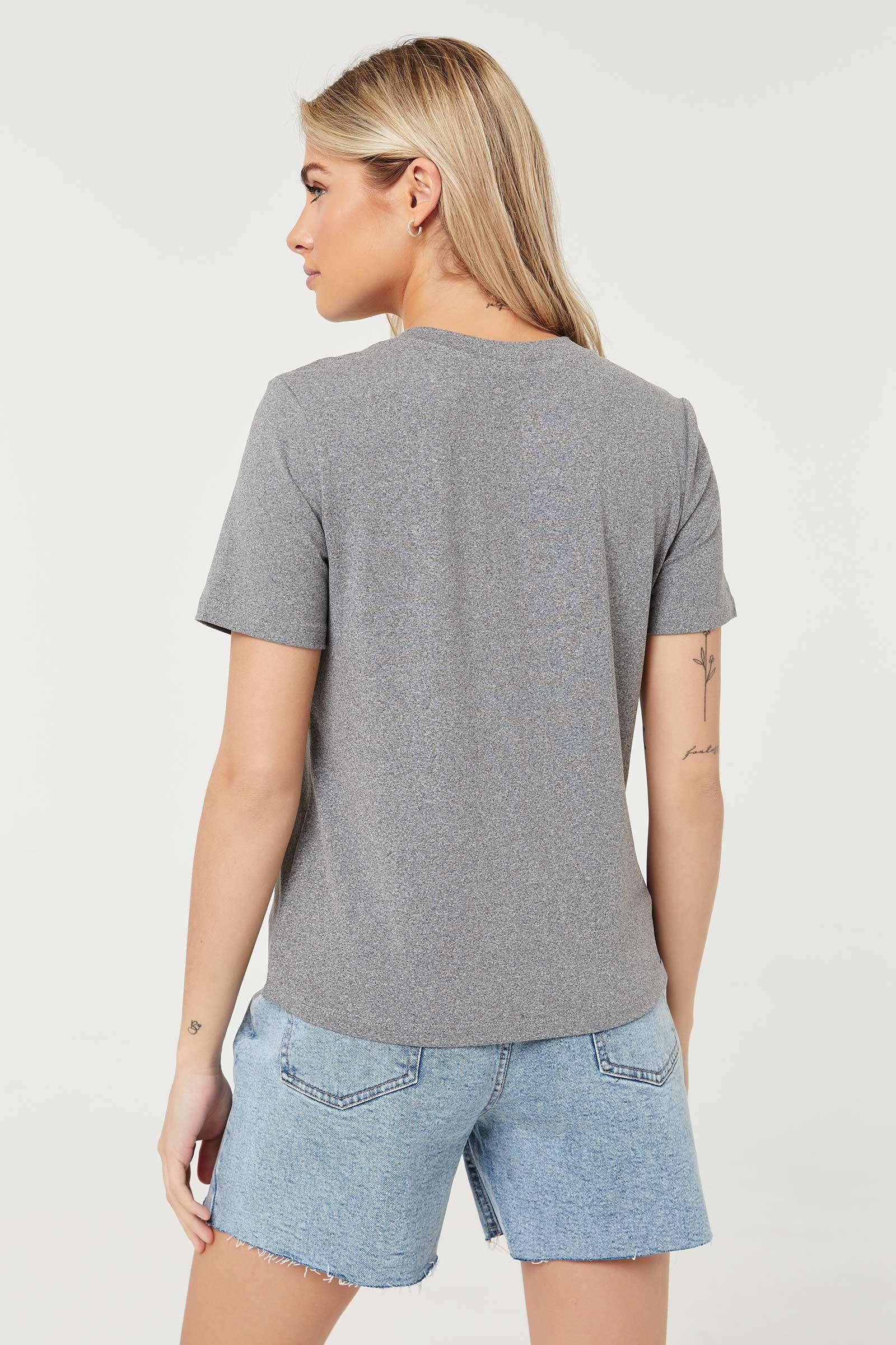T-shirt graphique à papillon