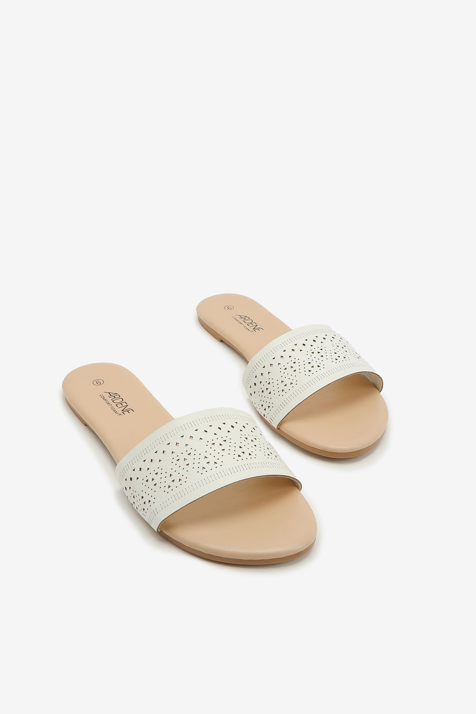 Sandales glissières perforées