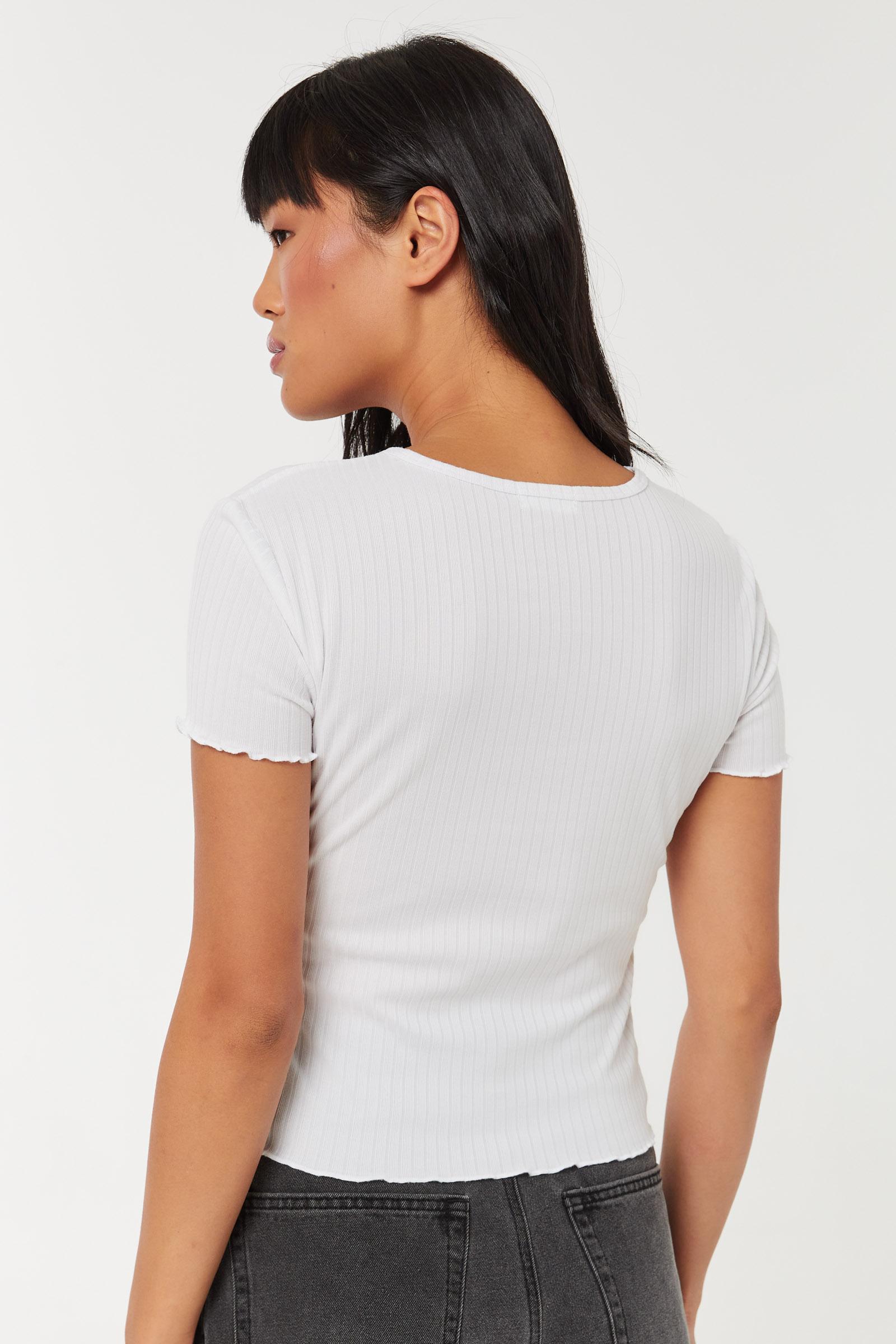T-shirt court à bordure festonnée