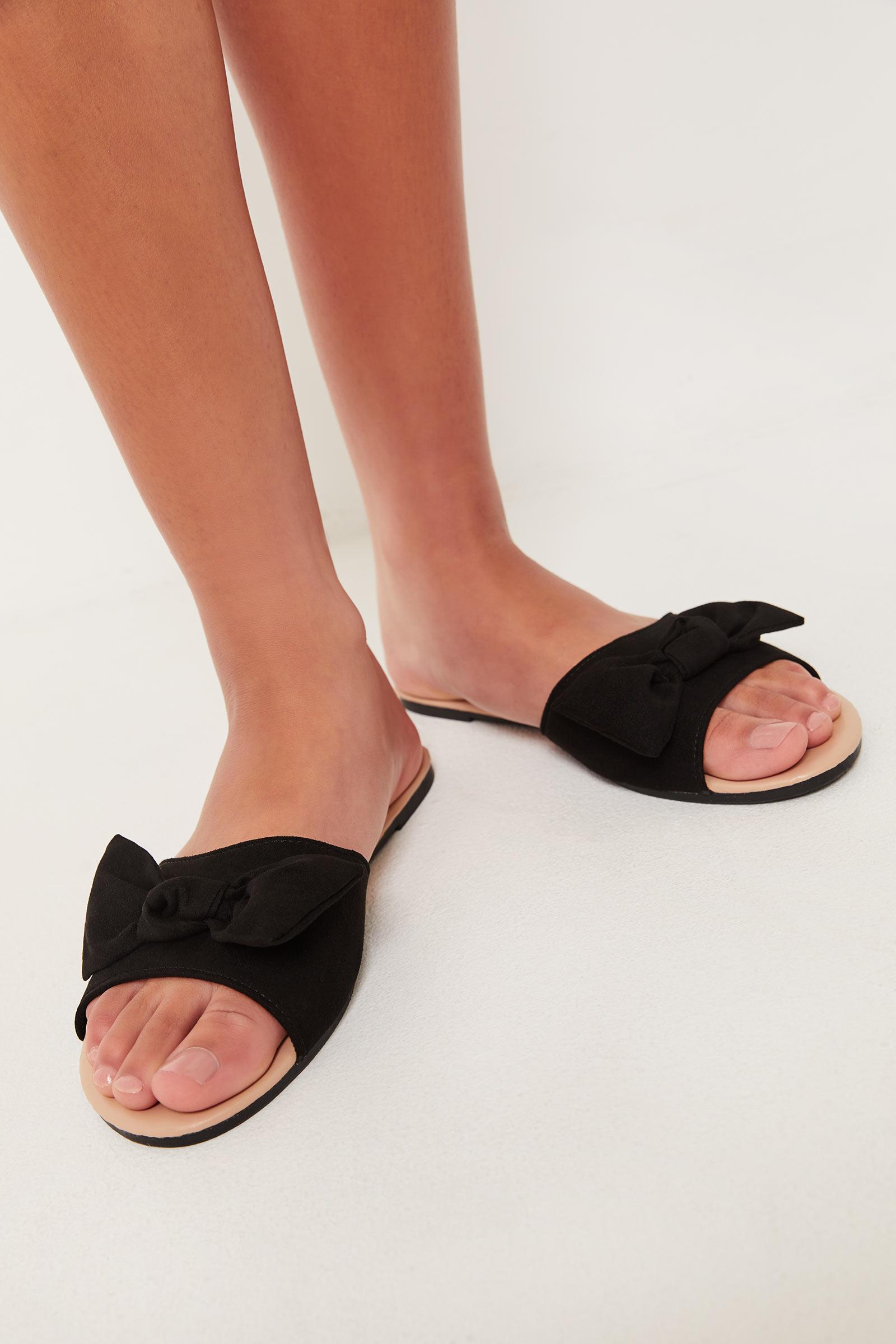 Bow Flip-Flops