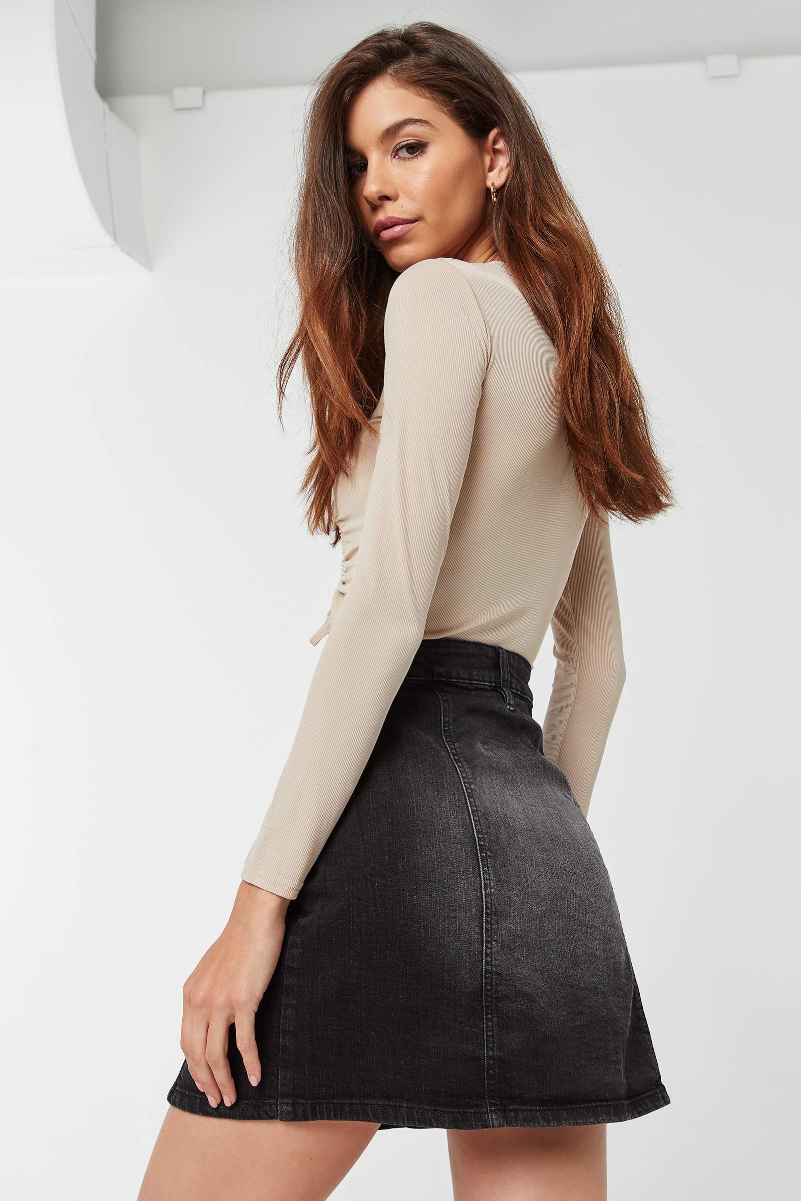 Jupe en jean boutonnée taille haute