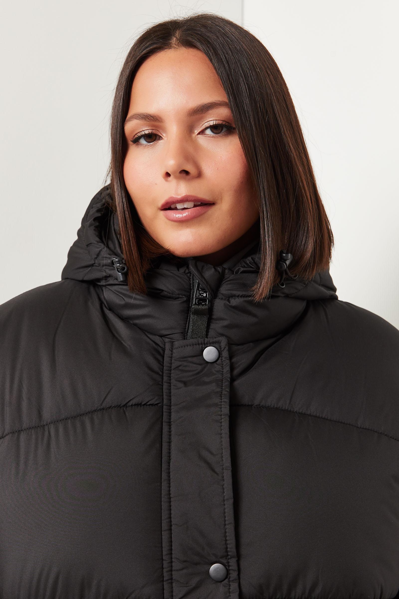 Short Hooded Puffer Jacket
