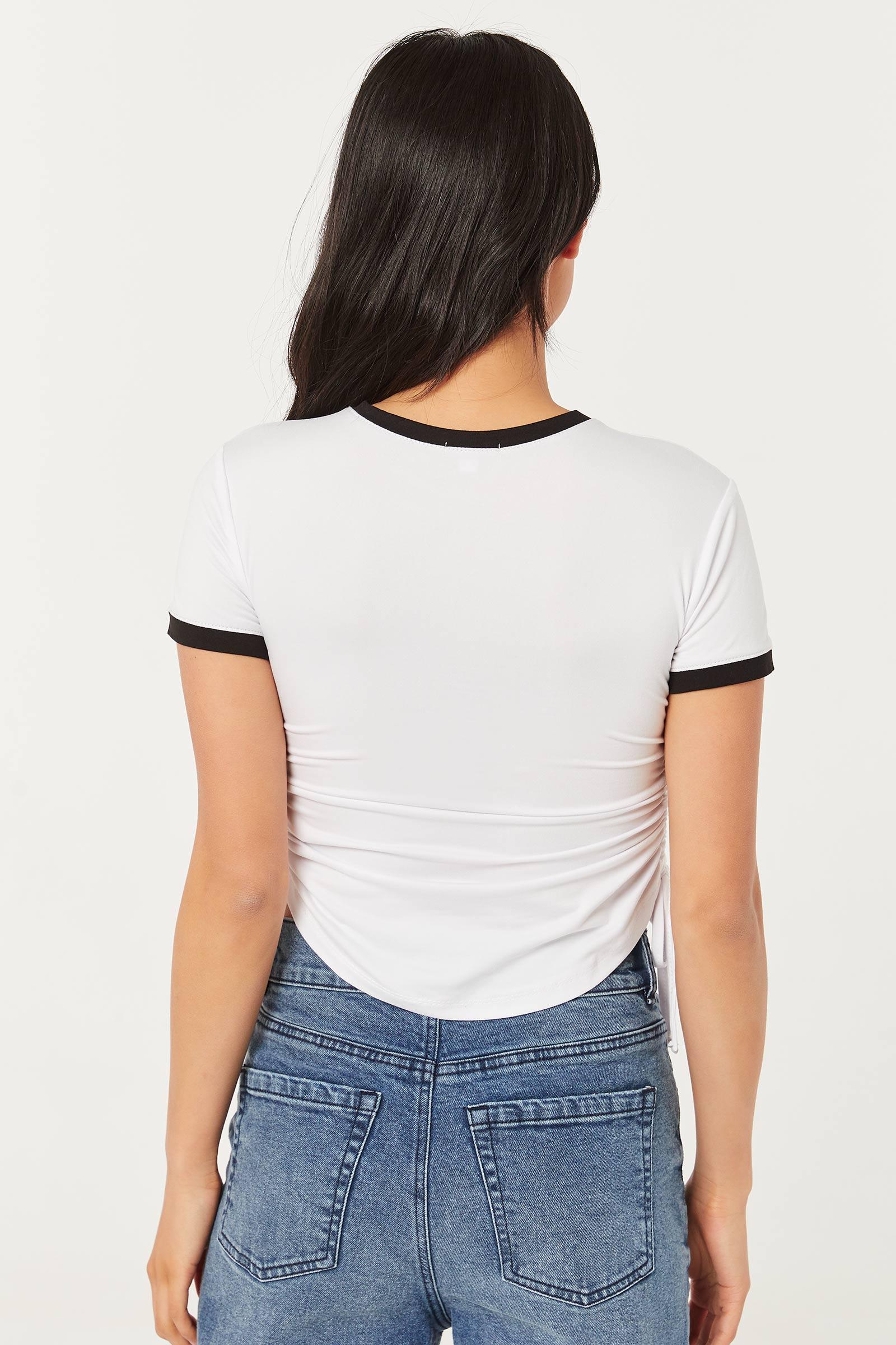 T-shirt ruché sur les côtés avec papillon