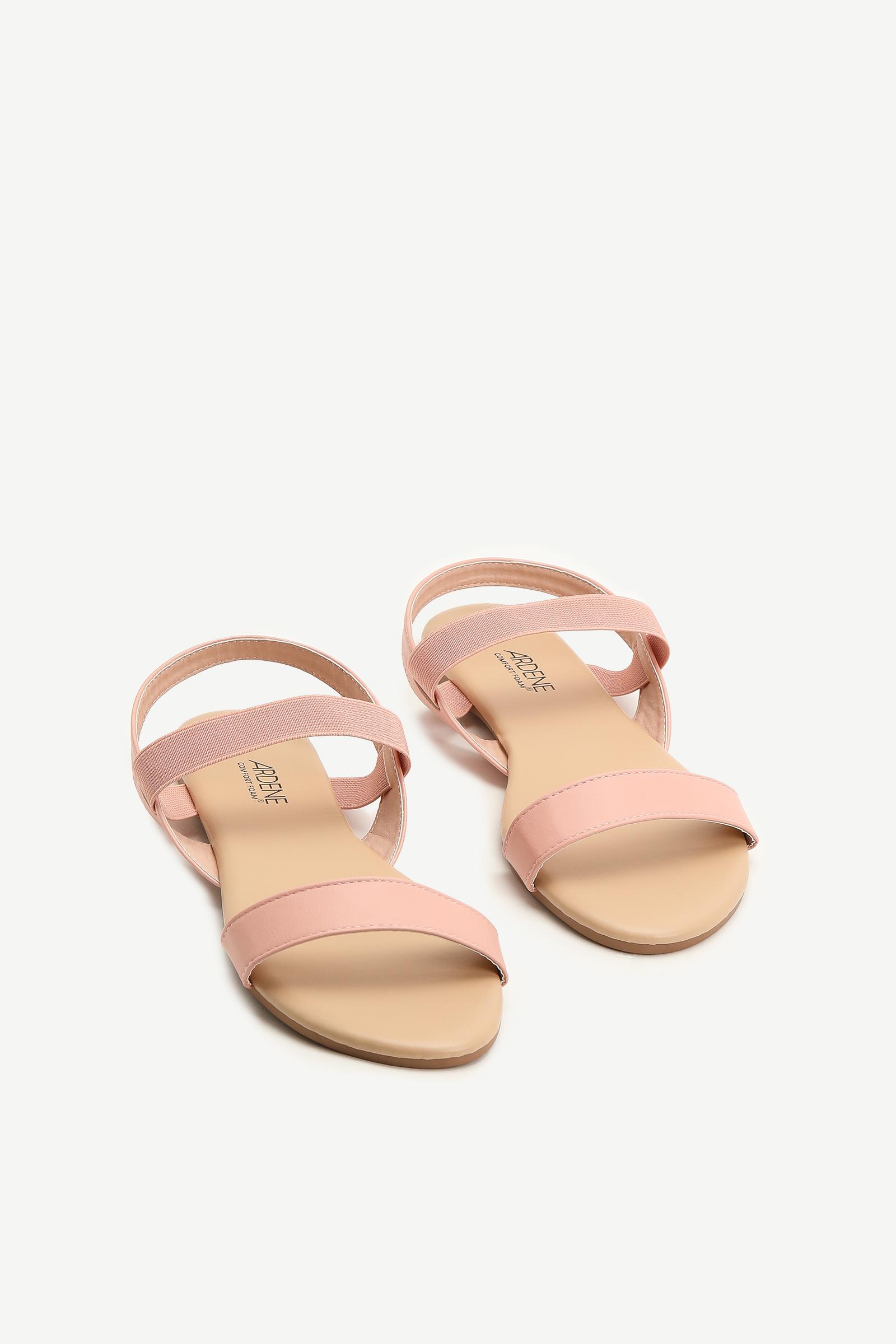 Sandales à courroie élastique