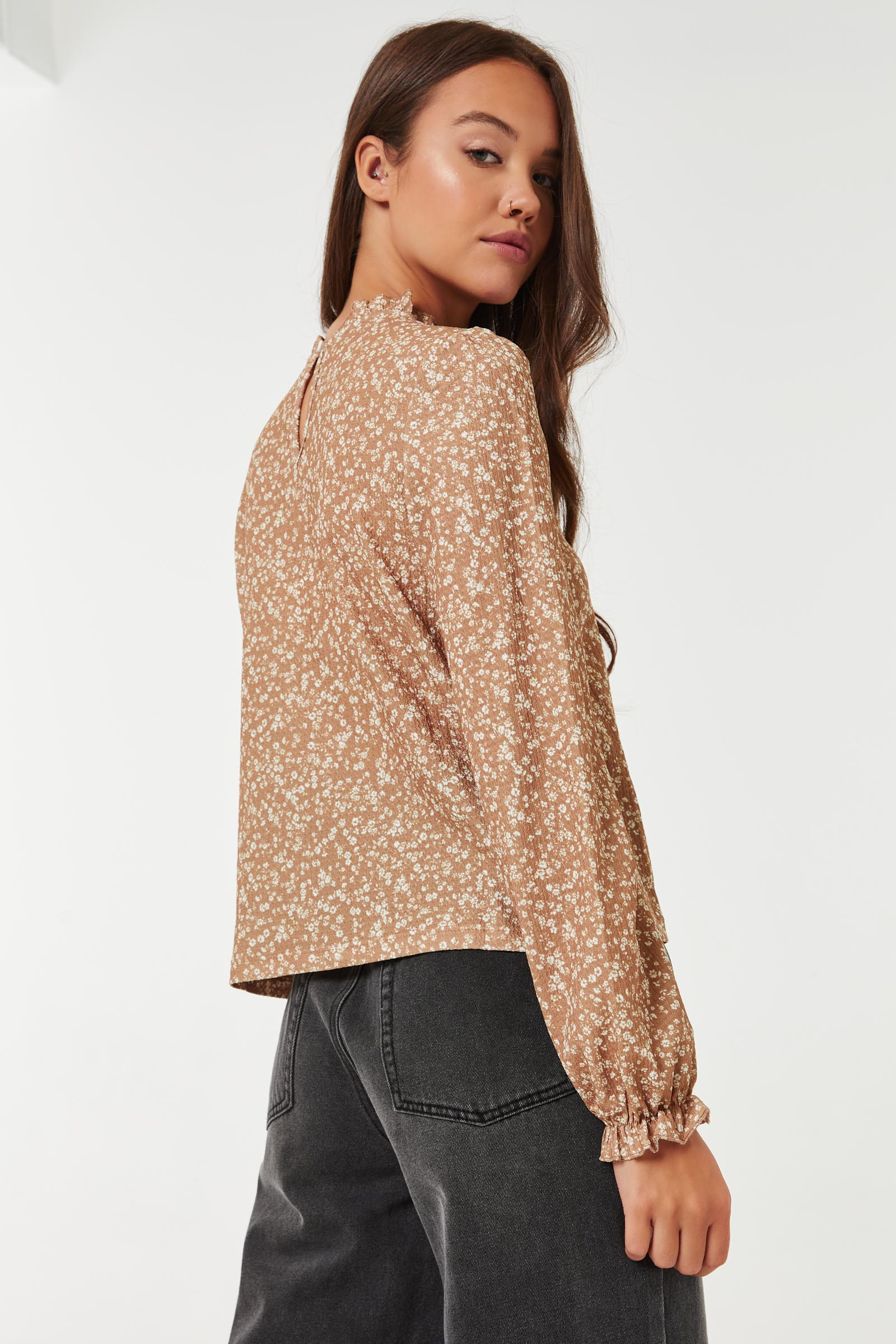 Ditsy Floral Ruffled Neck Top