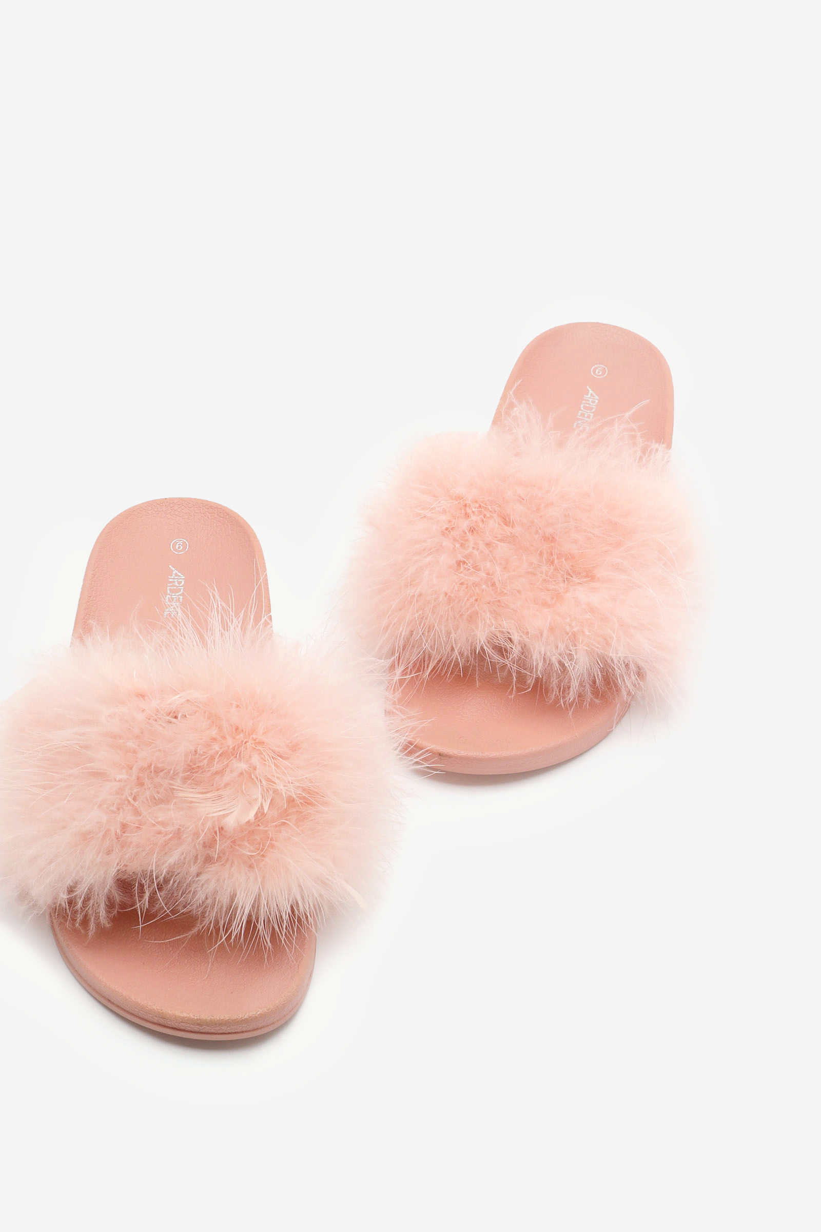Sandales moulées en fausse fourrure