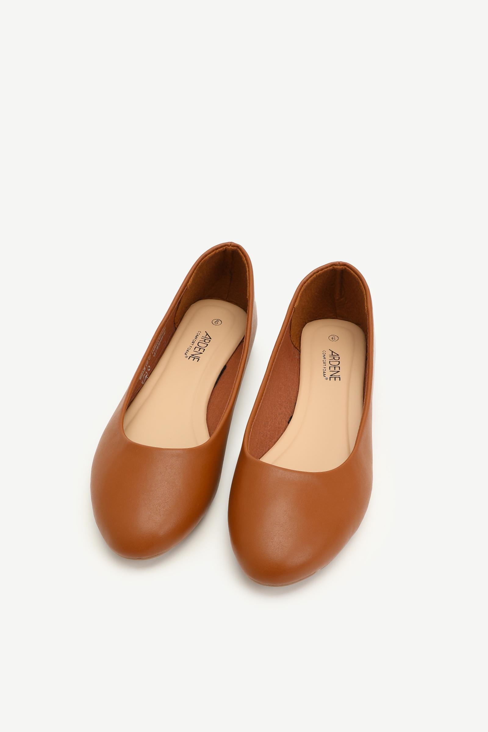 Round Toe Flats