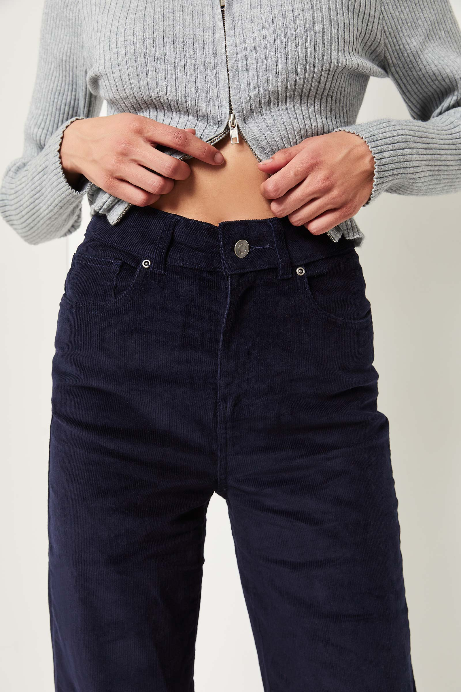 Pantalon jambe large en velours côtelé