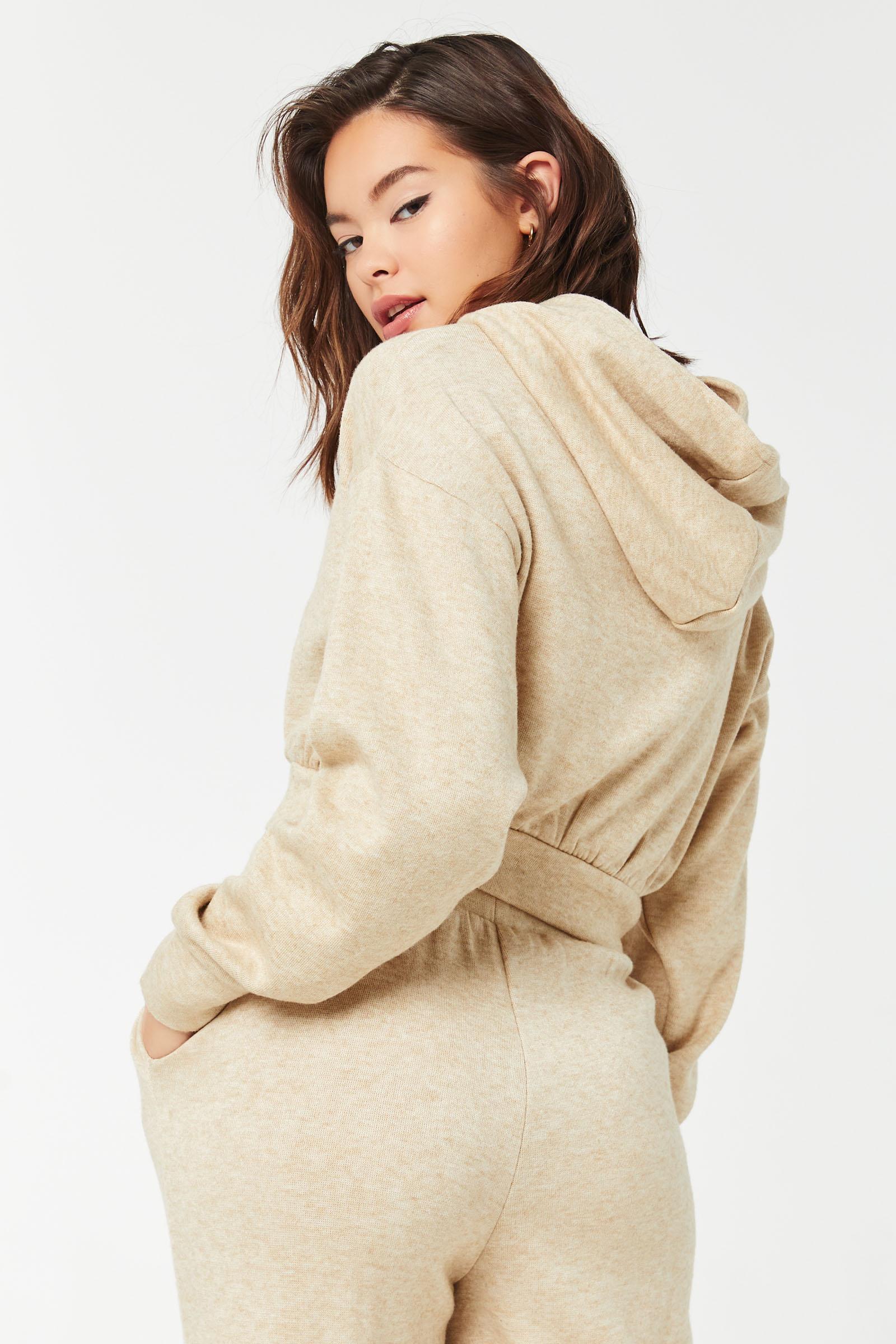 Pull court à capuchon en tricot épais