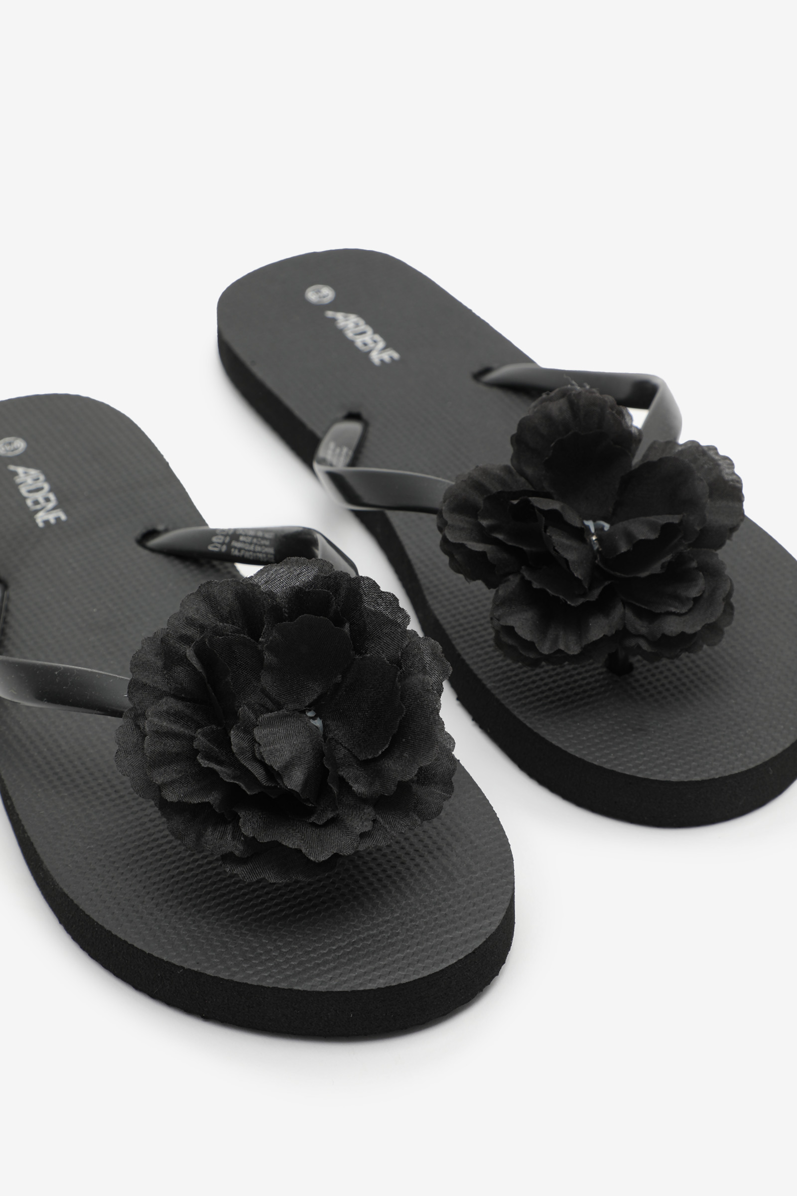 Flip-Flops with Flower and Gemstone